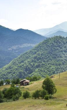 Hiking along the Azgilli – Chiragli trail