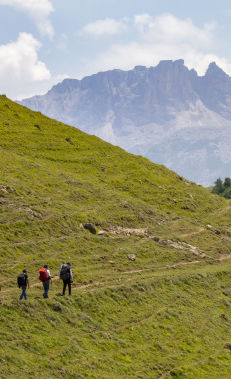 Hiking along the Javadkhan – Azgilli trail