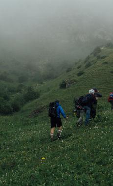 Hiking along the Kuzun – Yergi Kek trail
