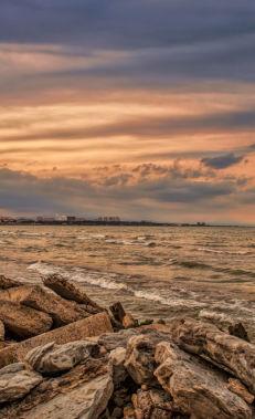 Насладитесь видами Каспийского моря и его пляжами