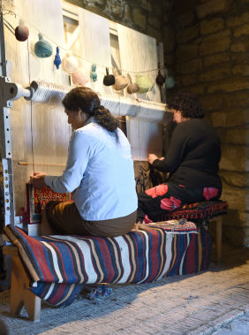 Take carpet weaving masterclasses in Guba