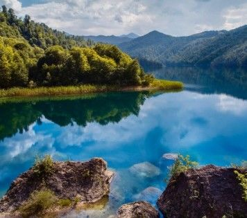 A FEW REASONS TO VISIT AZERBAIJAN THIS SUMMER