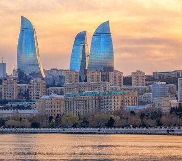 Цветастый ковёр Азербайджана