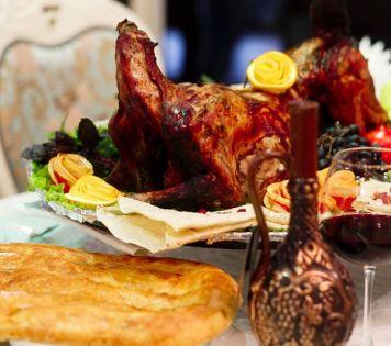 Ешьте, пейте, веселитесь — в Азербайджане!